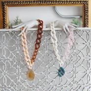 Pono'i plastic chain necklace