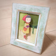 女の子のブローチ(木製フレーム入り)