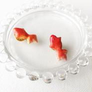 陶器風粘土ピンバッチ 金魚