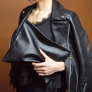 即売品leather pouch black