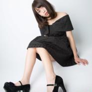 中野杏:写真 黒ワンピ1 サイン入り(A4サイズ)