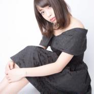 中野杏:写真 黒ワンピ2 サイン入り(A4サイズ)