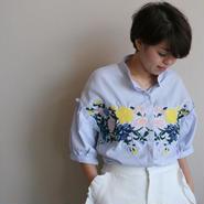 フラワー刺繍ストライプシャツ