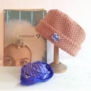 ビジューボタンヘリンボーンニット帽 [ camel / blue ]