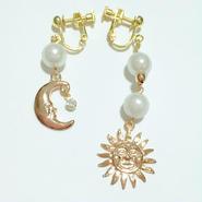 太陽&月チャームの パール イヤリング