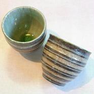 横線彫湯のみ(灰釉)