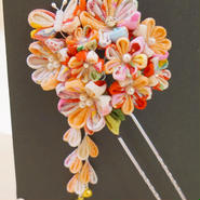 髪飾り✿つまみ簪【hanano by kezouin】世界に一つだけの髪飾り サーモンピンク 蝶々×お花 0121