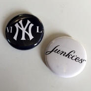 """A.W. Harvest – """" NY series """" Button Badges Pair set"""