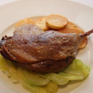 フランス産鴨モモ肉のコンフィー ( Confit de cuisse de canard ) / 1本(約200g)