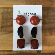 赤茶色のカボション・ブラックヨーロピアンガラス・濃厚ウッドの大ぶりピアス