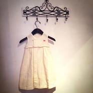 手織りカディ綿とバングラデシュ産の天然パールのドレス