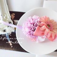 ピンクマム&ガーベラのお正月チョーカー