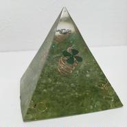 ピラミッド型オルゴナイト(ペリドット)