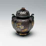 064-03 香炉 間取華麗(菊蓋)