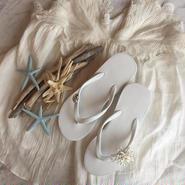 White Cute Style