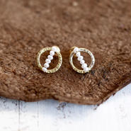 Baby pearl brass earrings