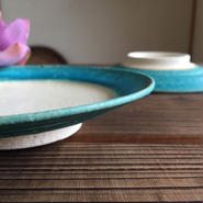 やちむん ペルシャ釉リム皿(5寸)/宮城陶器