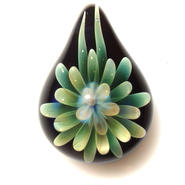 [MFN-67] mini spread flower pendant