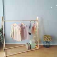 kids hanger rack + stars