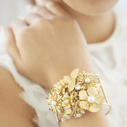 Flower point bangle