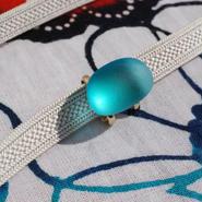 豆スリガラスの帯留(青)