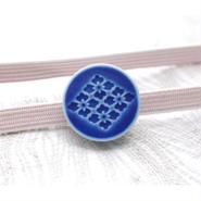 花菱柄の帯留(藍)