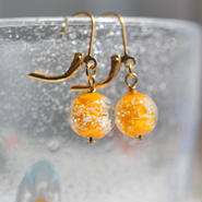 泡砂のガラス玉ピアス/イヤリング(黄色)
