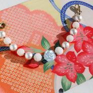 アリスブルーのバラとコットンパールの羽織紐