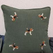 ビーグル刺繍45x45㎝カーキ綿麻クッションカバー