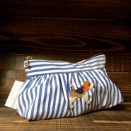 ビーグル刺繍ギャザーポーチ水色ストライプ柄