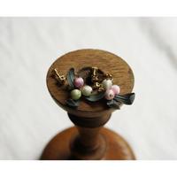 絹玉の実のイヤリング
