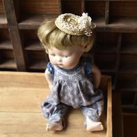 アンティークレースと白い花の麦わら帽子