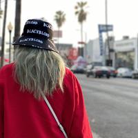 『BLACKBLOND』  グラフィティロゴリバーシブルプレートバケットハット (Black)
