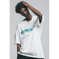 Verynineflux EMBROIDERY LOGO T-SHIRT (White)