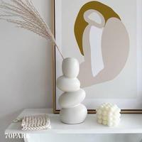 # ユニークモチーフ ホワイト フラワーベース  花瓶