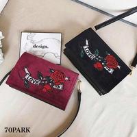#Rose Embroidered Velvet Shoulder Bag ローズ 刺繍入り ベロア ショルダーバッグ 全2色 長財布