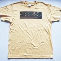 9RECORD model Q T-shirts