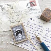 猫たちの郵便局 切手型ウッドブローチ(ハチ)【nemunoki】