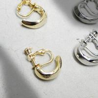 e117 metal C earring