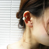 e101 pearl / rhinestone ear cuff