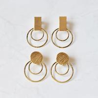 e055 metal motif design earring