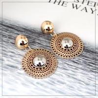 metal hoop pierce