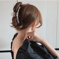 clear × pearl hair clip5