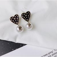 vintage heart × pearl pierce