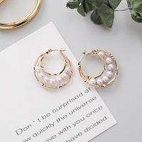 metal gold × pearl hoop pierce