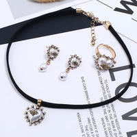 bee × pearl accessory 3set