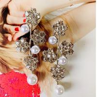 flower × pearl tree pierce