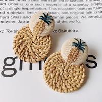 pineapple straw pierce