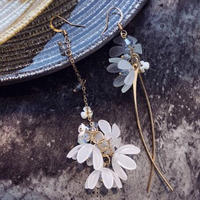 flower  asymmetry hook pierce