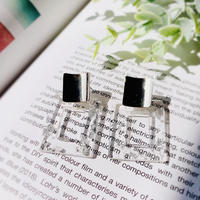 metal gold clear square pierce